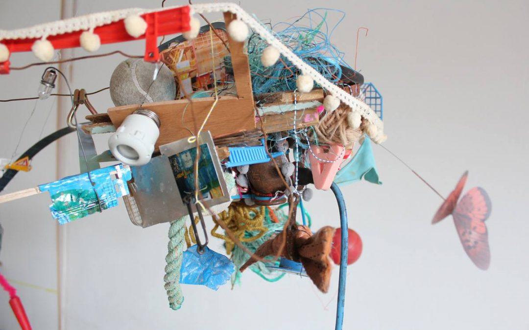 Barnas kunstverksted: Drabantplaneter! Tingleter-verksted og besøk av kunstner Regien